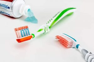 Are There Benefits to Baking Soda Toothpaste?